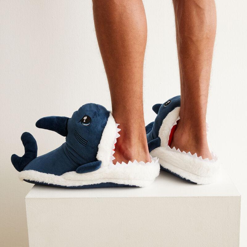 chaussons requin - bleu;