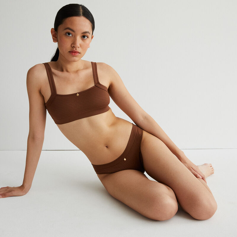 brassière effet gauffré détail bijou - marron;