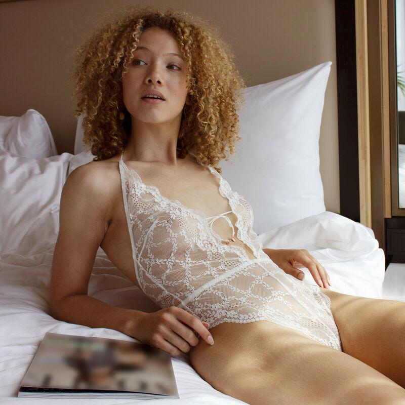 Body tanga en dentelle sans armatures - blanc;