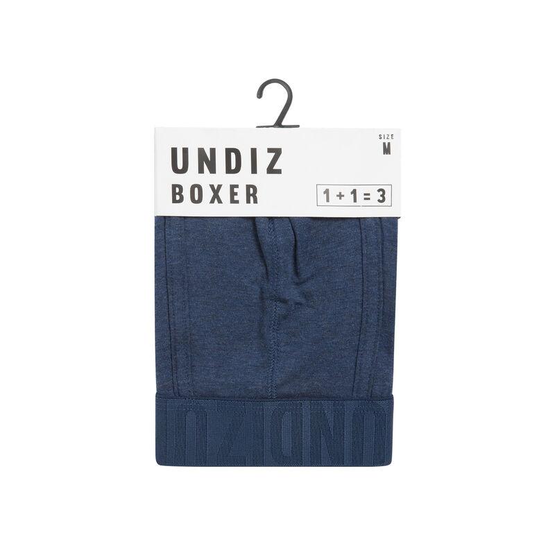 Boxer bleu oreliz;