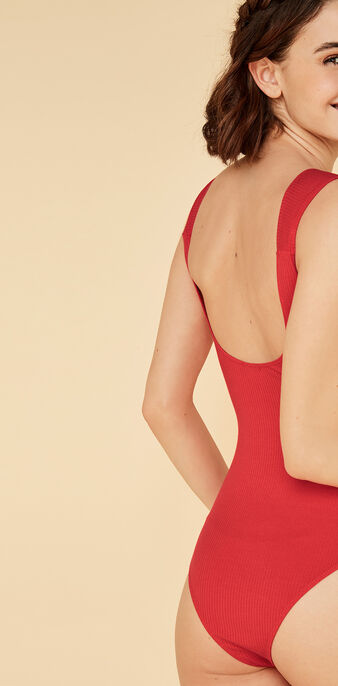 Body rouge knotiz red.