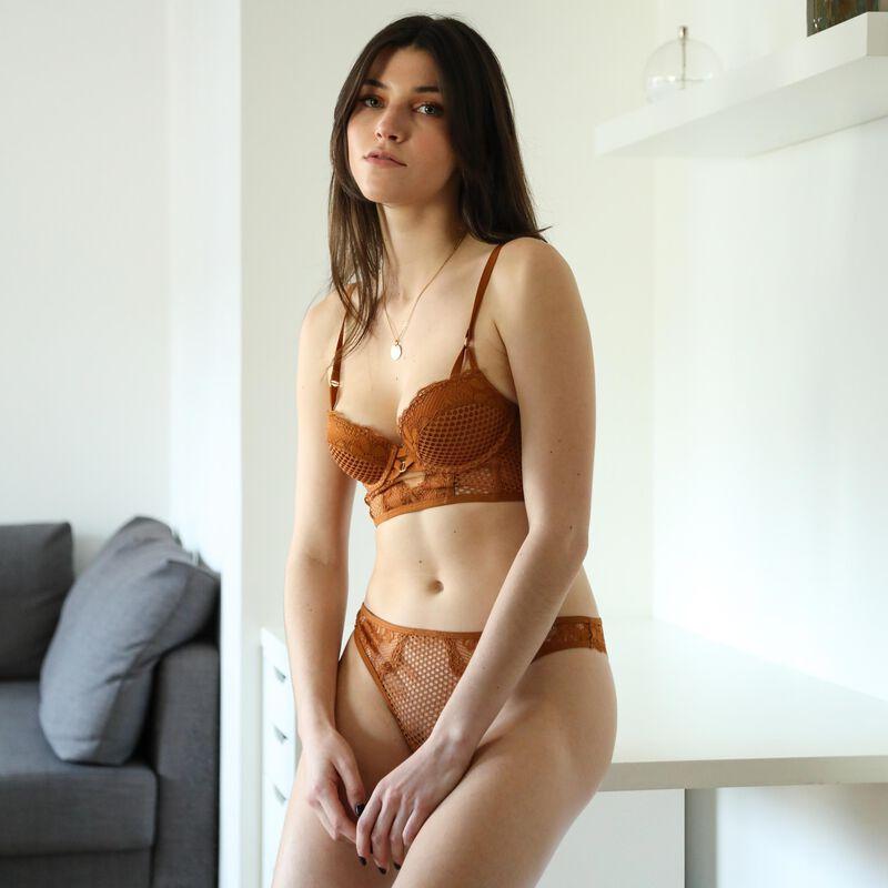 tanga en dentelle ajourée - marron;