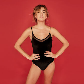 Velvabiz black bodysuit black.