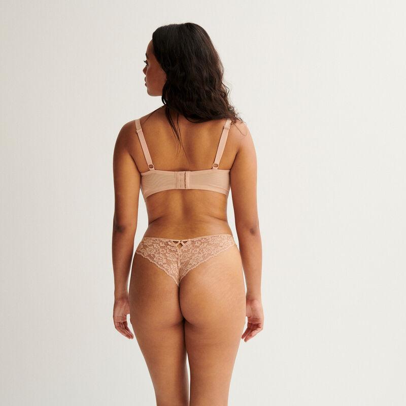 tanga en dentelle fleurie - beige nude;